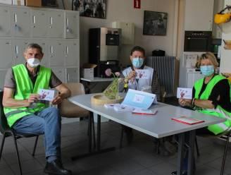 Vrijwilligers en medewerkers vaccinatiecentrum bedankt met 1.256 'groeiblaadjes'