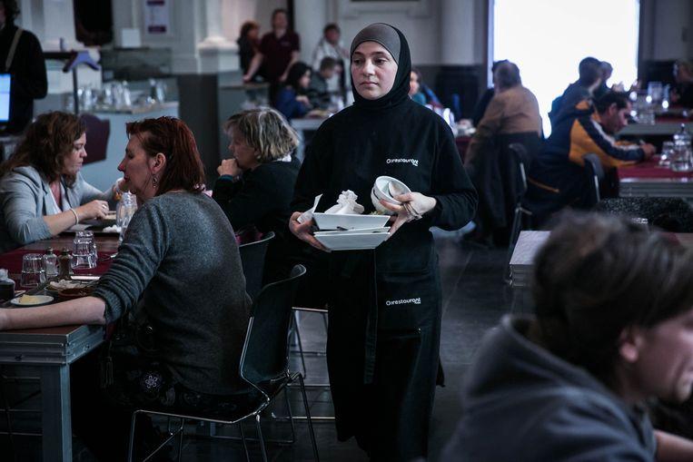 Beeld van het sociaal restaurant in de Gentse Oude Houtlei. Beeld bas bogaerts
