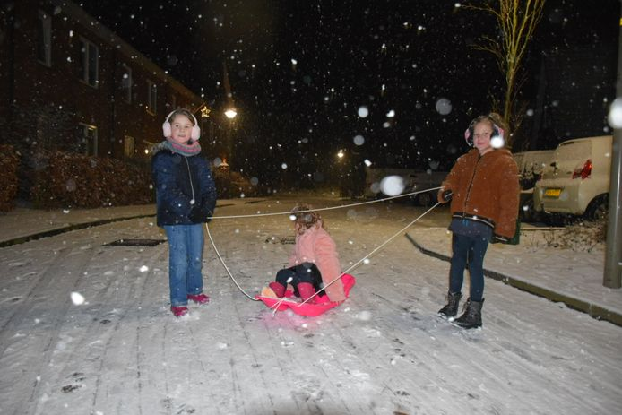 Sneeuwpret in Groesbeek.