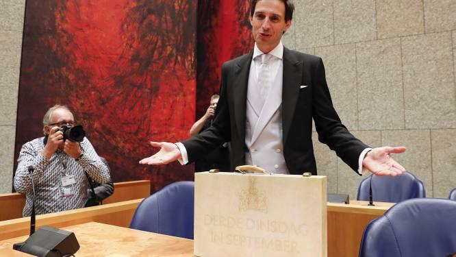 Hoekstra gaat tot 65 miljard lenen: 'Echt stoelriemen vast de komende tijd'
