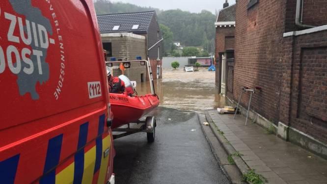 """Duikers brandweerpost Wichelen leveren bijstand in Wallonië: """"Maar onze 40pk-motorboot is nauwelijks opgewassen tegen de stroming"""""""
