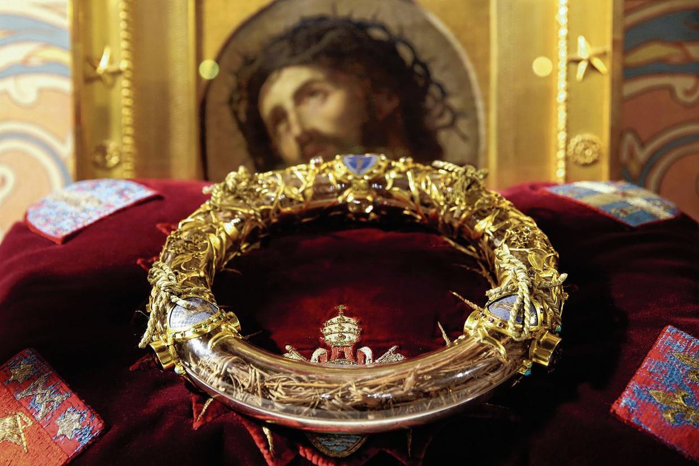 De doornenkroon die Christus zou gedragen hebben bij zijn kruisiging. Beeld RV