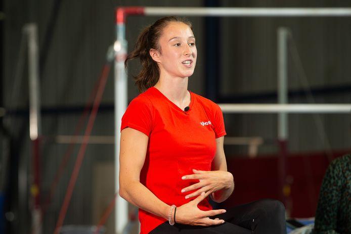 Nina Derwael is een van de olympiërs die pleit voor snelle vaccinatie.