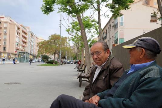 Enrique Molina (l) in l'Hospitalet. Hij zal altijd tegen het Franco-verleden stemmen.