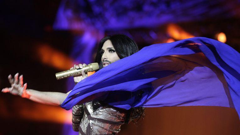 Conchita Wurst bij een optreden in Wenen Beeld epa