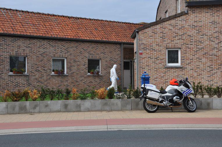 Het gerechtelijk labo bij de woning in de Leernsesteenweg in Deinze
