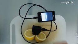Hoe je je gsm kan opladen met een citroen