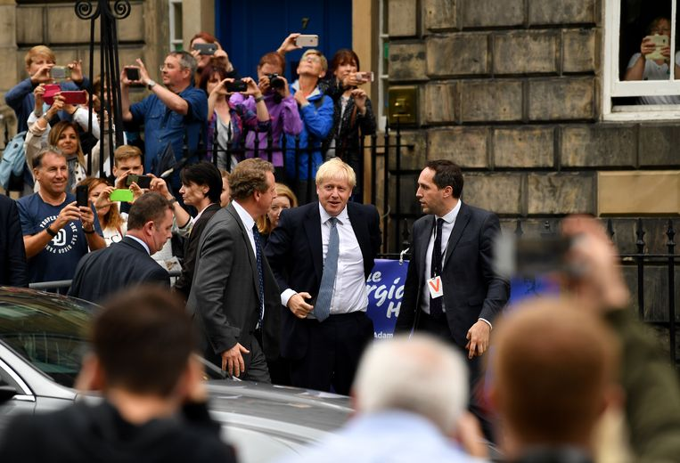 Boris Johnson arriveert bij de ambtswoning van de Schotse premier in Edinburgh. Beeld Getty Images