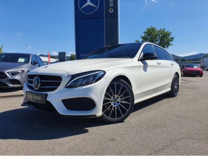 Veel Duitse auto's, zoals deze Mercedes-Benz C-klasse, zijn rijker uitgerust dan vergelijkbare Nederlandse exemplaren