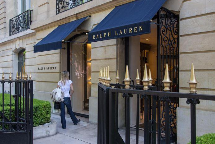 Een winkel van kledingmerk Ralph Lauren in Parijs.