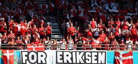 Drapeaux, maillot géant, match arrêté: l'émouvant hommage rendu à Eriksen pendant Danemark-Belgique