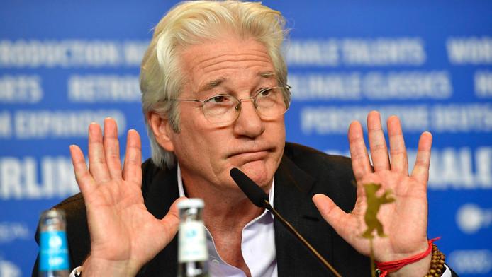 Richard Gere tijdens de persconferentie vanmiddag in Berlijn.