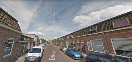 'Feestje' loopt uit de hand in Deventer:  agenten bekogeld met stenen, bierflessen en eieren