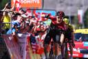 Bergop wint Dylan van Baarle de slotrit in de Dauphiné.