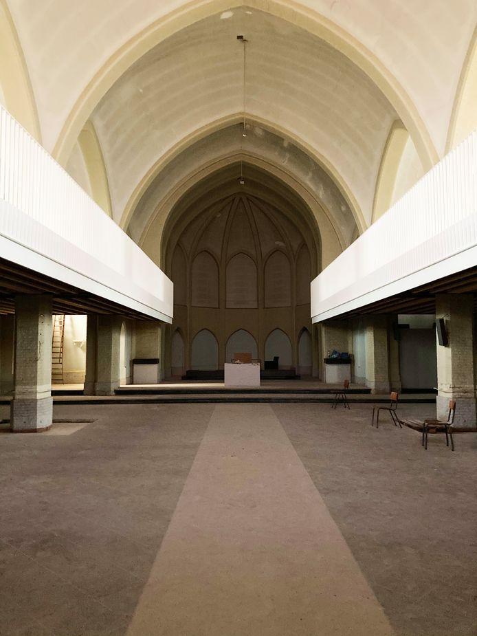 Een impressie van de polyvalente zaal die College Hagelstein in Sint-Katelijne-Waver zal inrichten in de Onze-Lieve-Vrouw van Smartenkerk.