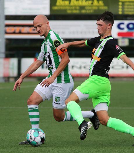 Achilles Veen treurt om volle ziekenboeg en slecht voetbalweekend: 'Steeds die laatste bal hè'