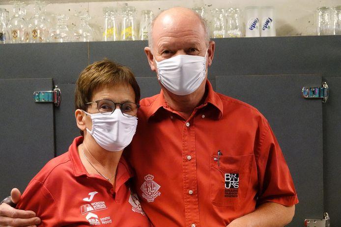 Ludo en Jeanneke waren 31 jaar lang het vertrouwde gezicht achter de toog van de kantine van HVV.