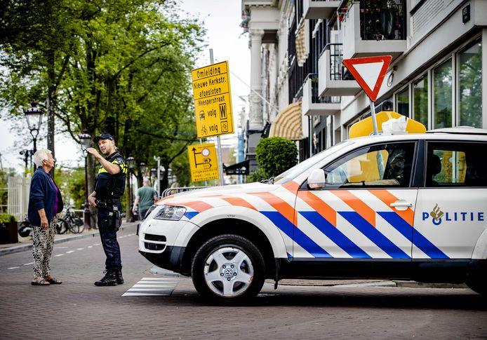 Beveiliging rondom het besloten afscheid van Peter R. de Vries in Koninklijk Theater Carré, Amsterdam.