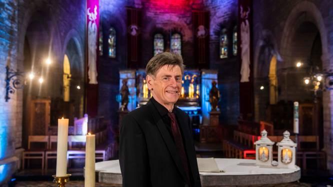 """Charmezanger Freddy Davis neemt kerstspecial op in Truiense Sint-Maartenkerk: """"Warmte voor mensen die iemand hebben verloren"""""""