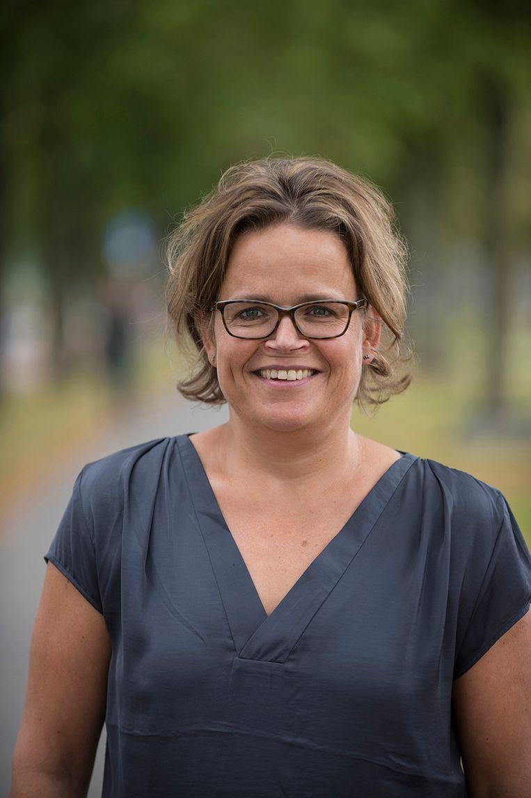 Els Broens, veterinair bioloog op de faculteit diergeneeskunde (Universiteit Utrecht) Beeld AD
