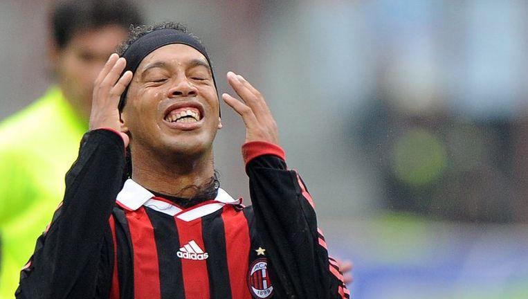 Ronaldinho zette met een assist zijn dertigste verjaardag luister bij. Beeld UNKNOWN
