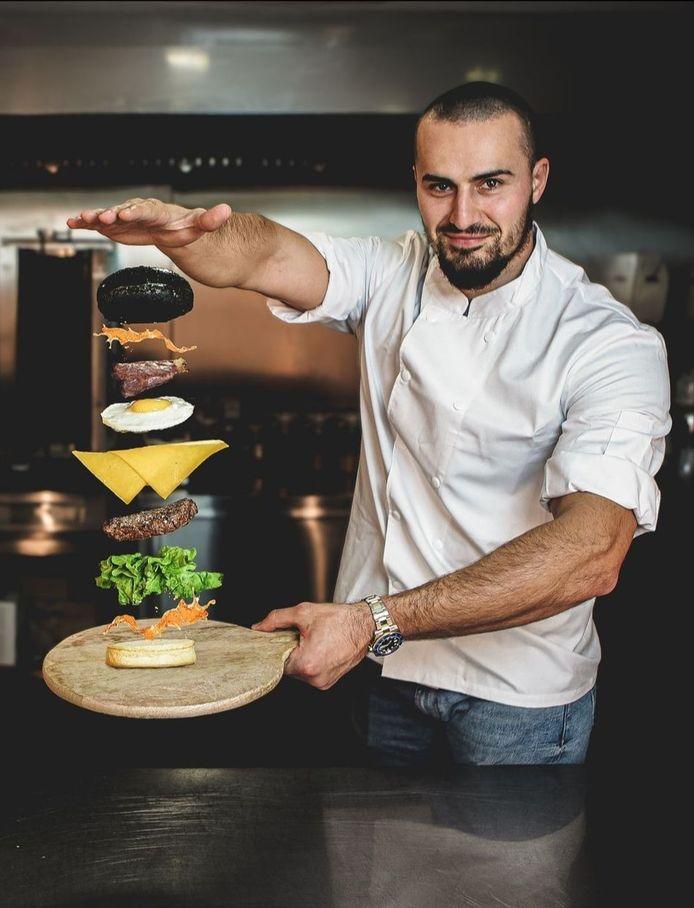 Ouverture, ce samedi 24 juillet à 12h, du quatrième restaurant belge de l'enseigne Black and White Burger, du youtubeur français IbraTV.