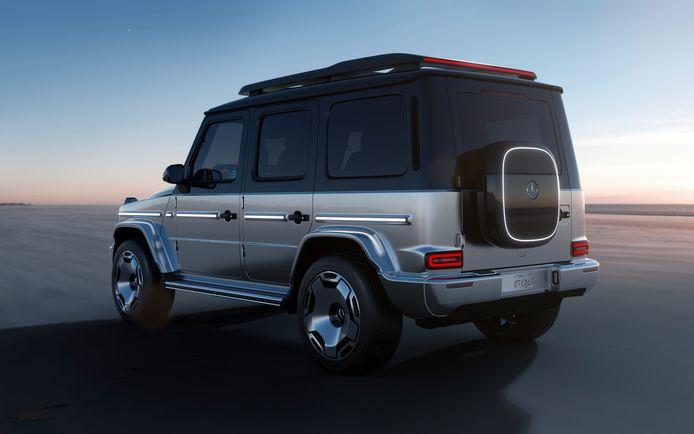 Op de achterdeur van de Mercedes EQG zit geen reservewiel, maar een opbergvak in de vorm van een wallbox