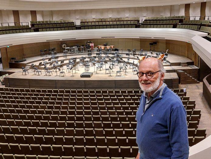Peter Stotijn speelde 33 jaar lang contrabas bij het Residentie Orkest en komt uit de bekendste concertfamilie van Nederland.