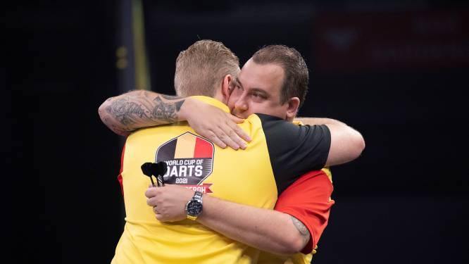 """Ontgoochelde Kim Huybrechts na verrassende uitschakeling op World Cup of Darts: """"Het wou gewoon niet lukken vandaag"""""""
