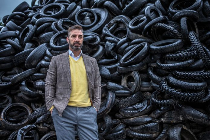 Johan Doornberg, directeur van het gelijknamige bandenverwerkingsbedrijf uit Almen. Het bedrijf verhuist volgend jaar naar bedrijventerrein Fort de Pol in Zutphen.