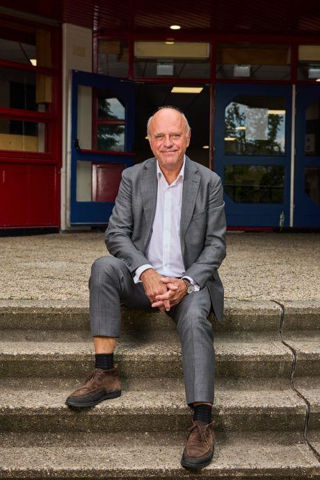 Schooldirecteur zwaait af na dik 45 jaar 'knokken': 'De bommeldingen vond ik het zwaarst'