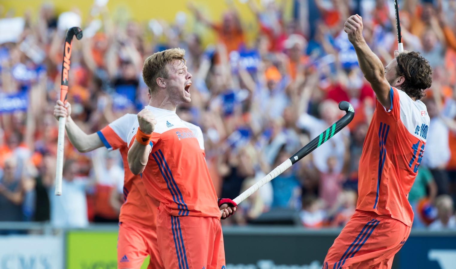 Slechts twee van de zes internationals werden uiteindelijk opgeroepen door de bondscoach: Mink van der Weerden (links) en Bob de Voogd.