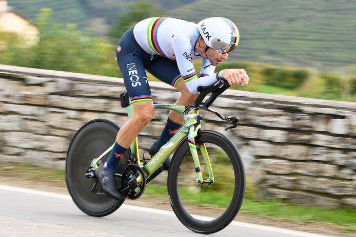 Déjà vainqueur du contre-la-montre inaugural et de la cinquième étape, Filippo Ganna s'offre une troisième victoire d'étape sur le Giro 2020.