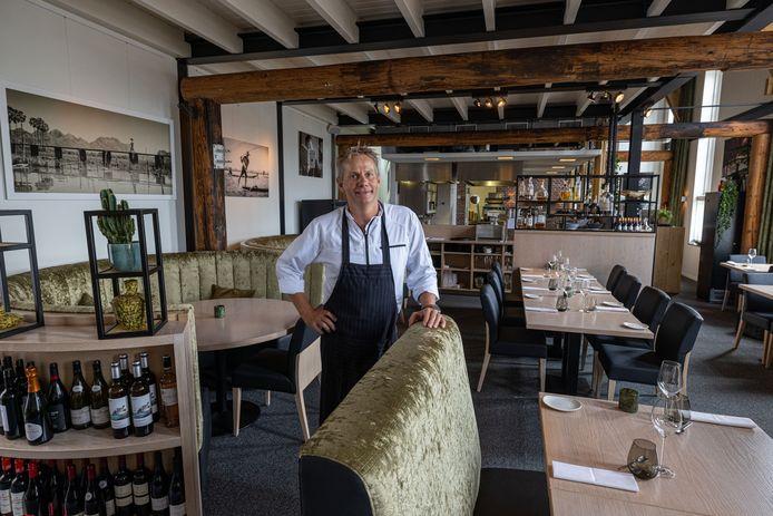 Cees Kramer, eigenaar van Restaurant De Boet aan de haven op Urk.