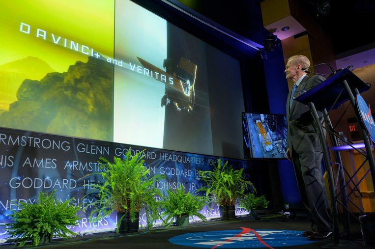 NASA-topman Bill Nelson presenteert de plannen voor de nieuwe wetenschapsmissies naar Venus. Beeld EPA