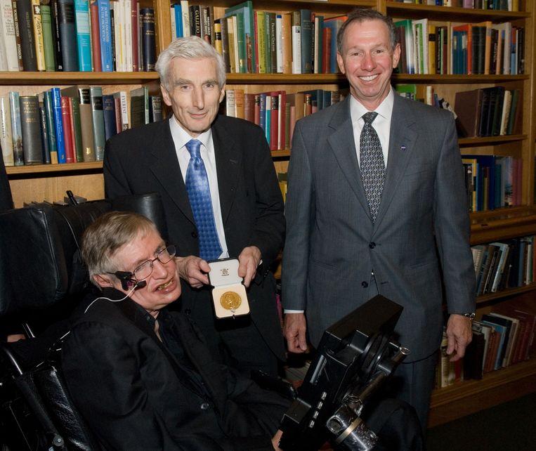 Rees en Stephen Hawking: 'Stephen was meer een doemdenker dan ik. Hij geloofde dat we op een dag de hele bevolking op aarde zullen moeten evacueren naar Mars.'  Beeld NASA