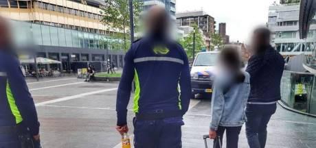 """Une fillette syrienne de 11 ans retrouvée seule à la gare d'Utrecht: """"Ça vous touche en plein cœur"""""""