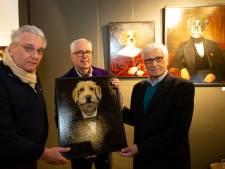 Prins Laurent bezoekt Antwerpse galerij en krijgt hondenportret van kunstenaar Thierry Poncelet