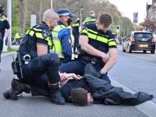 Politie maakt einde aan massaal feest op 'festivalweide' in Arnhems park Sonsbeek