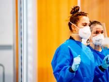 Twentse huisartsen schieten ziekenhuizen te hulp bij zorg voor  corona-patiënten