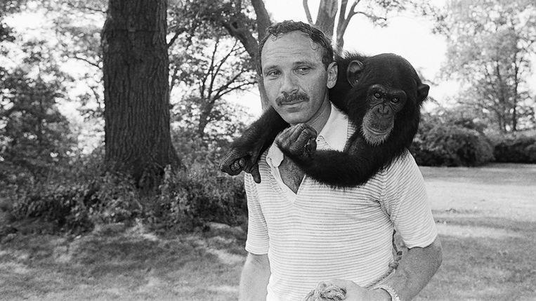 Boyle werd geïnspireerd door psycholoog Herbert Terrace, die in 1973 een experiment begon met de chimpansee Nim Chimpsky. Hij wilde weten of je een aap kunt leren een zin te vormen.  Beeld rv
