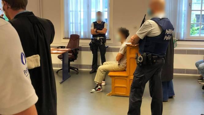 Lid 'Vlotgrasbende' riskeert nog eens vier maanden cel voor slagen aan cafébaas in stationsbuurt