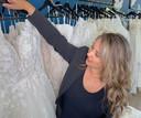 Hoogvliet heeft wel 150 verschillende jurken variërend van maat 34 tot maat 64.