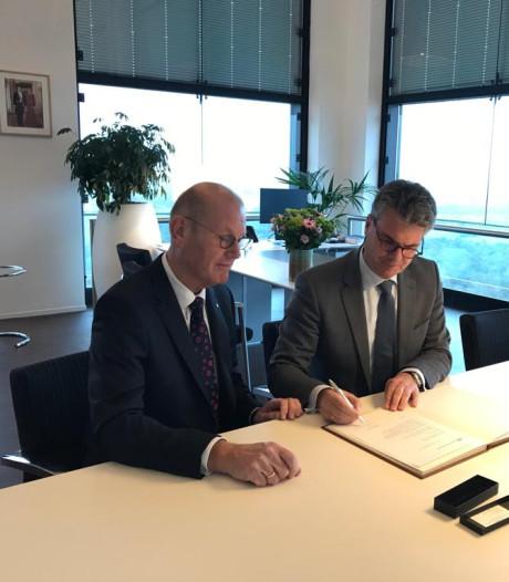 Waarnemend burgemeester Wim Groeneweg niet meer op Twitter of Facebook