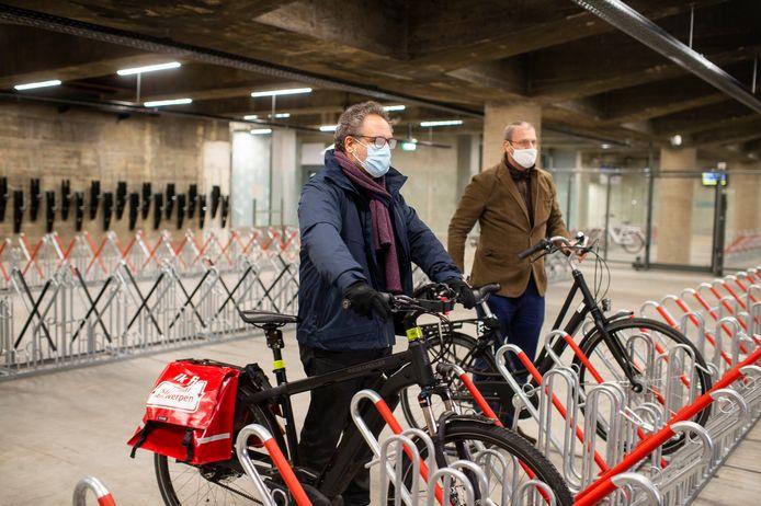 Schepen Koen Kennis en CEO van Indio Park Belgium Philippe Vranckx