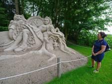 Genieten van zandsculpturen in Diepenheim: 'Wat een precisiewerk, hè'