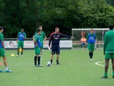 FC Dordrecht - met herintreder Mahmudov - traint weer: 'Bij samenstelling selectie gaan we zorgvuldig te werk'