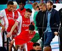 Daley Blind viert na de gewonnen bekerfinale het Ajax-feestje mee.