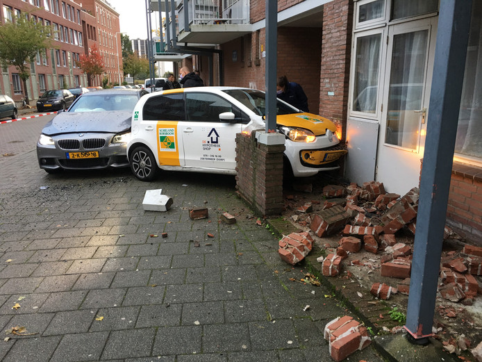 De automobiliste werd vanochtend klemgereden aan de Zinkerstraat.