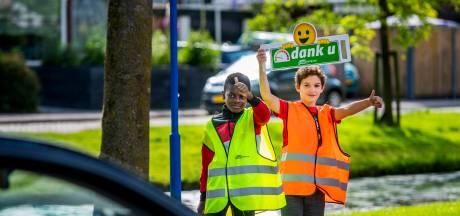 Bewoners en scholieren strijden tegen hardrijders in Zuidplas: 'Een aantal mensen rijdt hier honderd!'